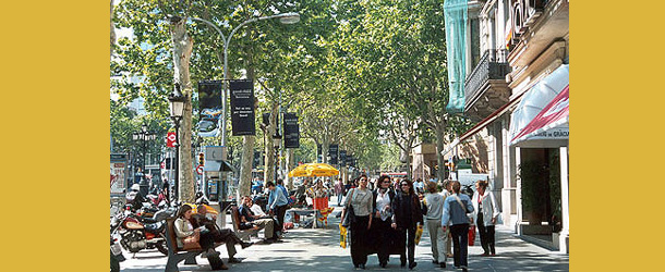 El Paseo de Gracia de Barcelona y la Gran Va de Madrid, las calles con ms peatones de Espaa